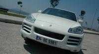 En adaptant le Porsche Cayenne avec un moteur diesel, les ingénieurs de chez Porsche ont vu loin. En effet, ce changement radical — qui risque d'effrayer les puristes— est une […]
