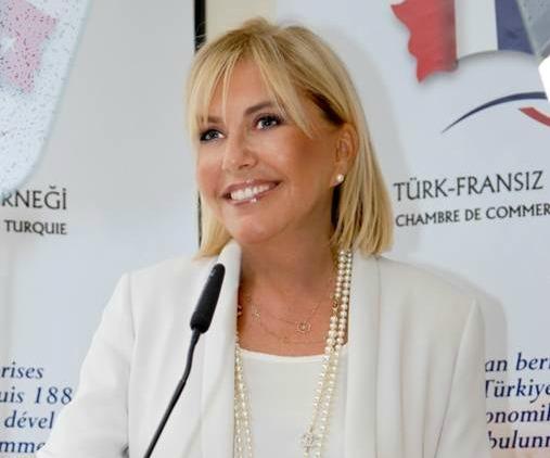 Zeynep necipo lu avec 30 de femmes dirigeantes la for Chambre de commerce francaise en turquie