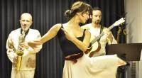 Le Shoeshine Quintet est un ensemble musical turc qui allie influences occidentales et orientales. Reprises, compositions, rythmes traditionnels, parce que la musique rassemble les peuple. Le tout dansant s'il vous […]