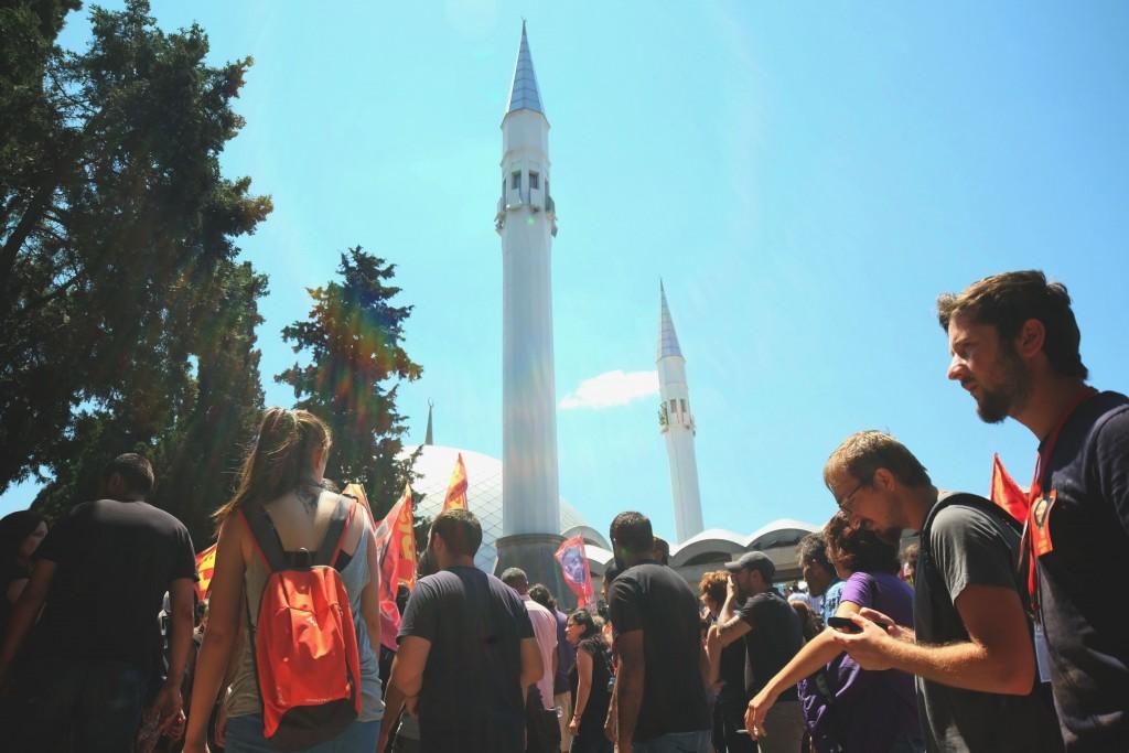 Arrivée du cortège au cimetière Karacaahmet, Istanbul