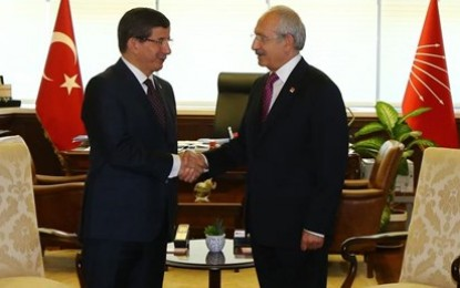 Kemal Kılıçdaroğlu lors de sa rencontre avec Ahmet Davutoğlu
