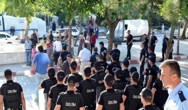 Récemment élu au Parlement sous la bannière CHP, le député d'origine rom Özcan Purçu a dénoncé hier les raids menés par la police contre la communauté rom établie aux abords […]