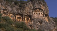 Terre d'Histoire, la Turquie ne cesse d'enrichir par de nouvelles découvertes archéologiques l'un des patrimoines les plus anciens de l'Humanité. Nous suivons donc de près la poursuite des fouilles archéologiques […]