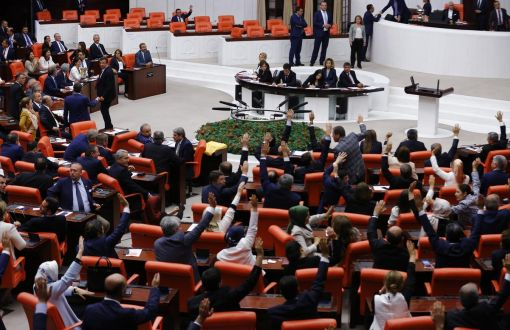 resolution-parlement