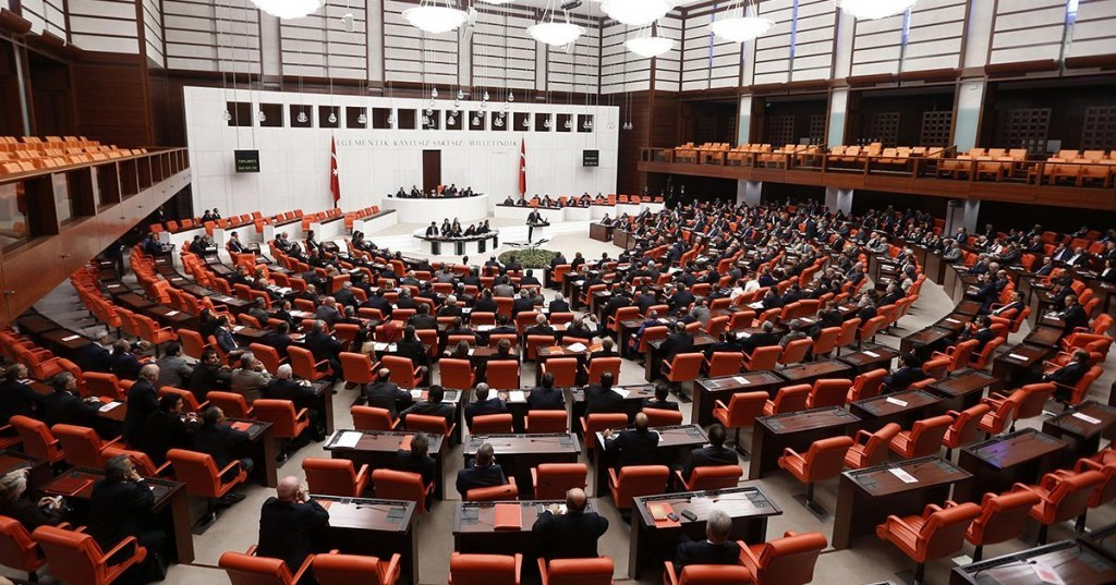 parlement-1024x537