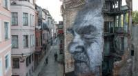 En mai 2015, l'artiste français JR avait investi les façades des bâtiments stambouliotes. Les portraits de personnes âgées étaient affichés pour rendre compte de des mutations que la ville avait […]