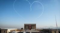 Ce matin à 9h05 précises, les sirènes ont retenti avant de laisser place à deux minutes de silence honorant la mémoire du fondateur de la République, Mustafa Kemal Atatürk. La […]