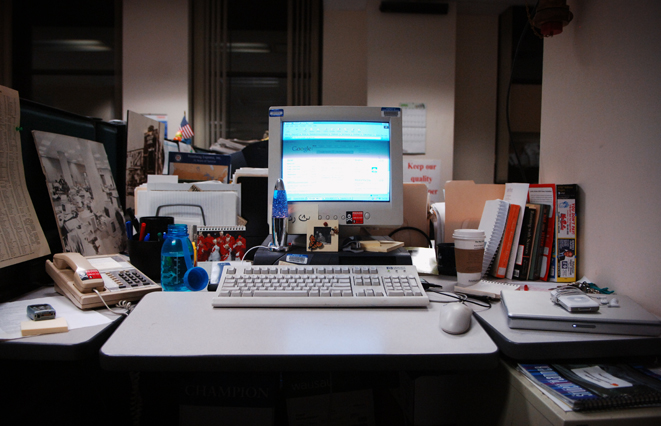 Journalist_desk
