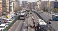 La caméra de surveillance d'un bus en Turquie a filmé un homme dévoilant discrètement son pénis à une femme. Cependant, il ne s'attendait pas à une telle réaction.