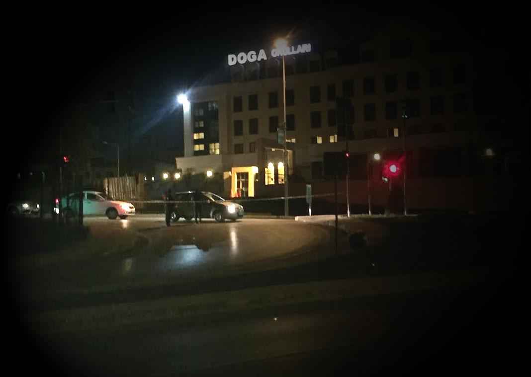 Vers 21h30, les barrages policiers étaient toujours maintenus.