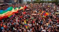 Dimanche, plusieurs centaines de policiers anti-émeutes ont assiégé les abords de la place Taksim, pour empêcher un rassemblement LGBT. Les autorités en ont profité pour interdire également la Gay Pride […]