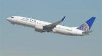 Une scène choquante capturée par les téléphones portables des passagers de United Airlines dimanche a dépassé les pires cauchemars des voyageurs qui ont le malheur de prendre un vol surbooké.