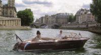 Loin du bling bling des yachts, affichant un air bourgeois, fait entièrement en acajou, gage de qualité, le Riva reflète cette splendeur italienne et la dolce vita des années 50. […]