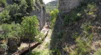 Chaque année, la plateforme accueille de plus en plus de visiteurs venus admirer le canyon de İncekaya.