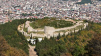 Après d'importants travaux de restauration, le château d'Aydos, situé dans le district de Sultanbeyli, sur la rive orientale d'Istanbul, rouvrira ses portes aux visiteurs en 2018.
