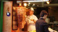 Le döner kebab, cette spécialité turque mondialement connue et appréciée, va-t-il disparaitre sous sa forme actuelle dans les pays de l'Union européenne? C'est la crainte qui plane depuis que, mardi […]
