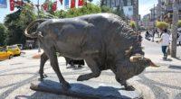 Selon le quotidien Daily Sabah, après des années d'incertitude, la statue incontournable de Kadıköy, sur la rive asiatique d'Istanbul, restera définitivement sur la place Altıyol.