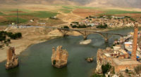 Le site historique de l'ancienne ville de Hasankeyf sera déplacé cette année afin de préserver ses artefacts de l'immersion en raison du quatrième plus grand barrage de Turquie, Ilısu, dans […]