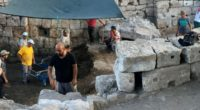 Alors que les fouilles se poursuivent, des dizaines d'artéfacts ont été découverts dans la cité antique de Myra et le port d'Andriake, situés dans la province d'Antalya.