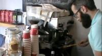 Le Wunderbar est un tout petit café qui a ouvert à Moda, dans le quartier de Kadiköy il y a à peine un mois. Le gérant, Deniz nous a présenté […]