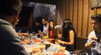 Chaque soir au coucher du soleil, depuis le 18 juin et ce pendant un mois, les musulmans pratiquants se retrouvent pour prendre l'iftar, le traditionnel repas de rupture de jeûne. […]
