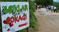 Ce dimanche 7 mai, des milliers d'hommes et de femmes célibataires se sont promenés dans la « rue des amoureux» dans la province de Çanakkale espérant trouver l'amour. Crédit photo […]
