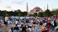 Le 26 mai dernier, des millions de musulmans à travers le monde ont rapidement rompu le jeûne alors que le soleil a chuté, marquant le premier jour du mois sacré […]