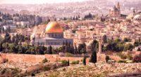 Alors que le président américain a finalement décidé, malgré les nombreuses mises en garde des dirigeants à travers le monde, de reconnaître Jérusalem comme capitale d'Israël, des centaines de personnes […]