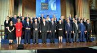 Créée le 4 avril 1949, l'Organisation du traité de l'Atlantique Nord (OTAN) est une alliance politico-militaire et le symbole du monde bipolaire de la guerre froide.