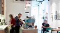 Animés par la passion du café, İnci Kara Ulugöl et Mehmet Cem Ulugöl sont propriétaires d'un café de spécialité, le Kamarad Coffee Roastery, situé à Kadıköy. En mêlant tradition et […]